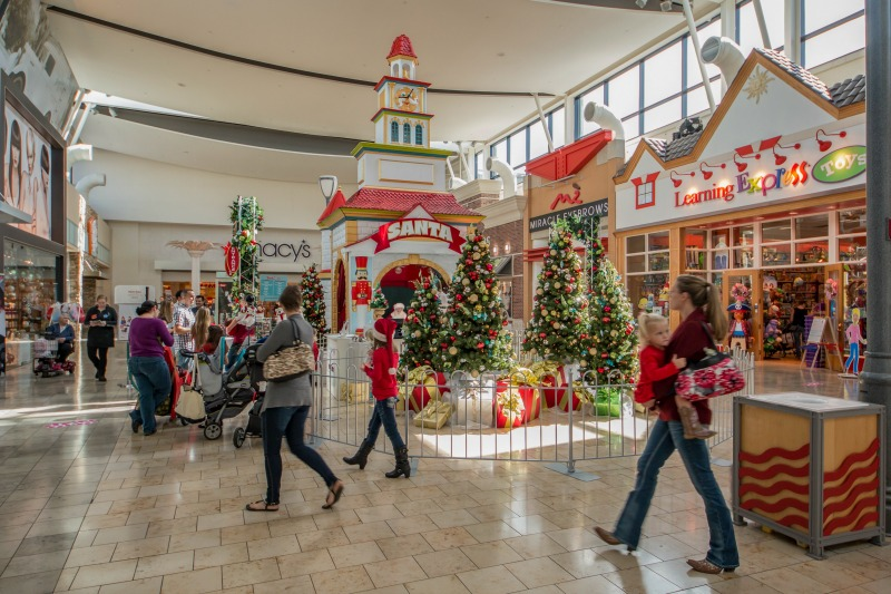 Early Holiday Shopping Deals and Holiday Shopping Tips at Westfield Malls || Tampa Mama