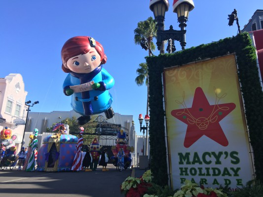 Macy's Holiday Parade Orlando Florida
