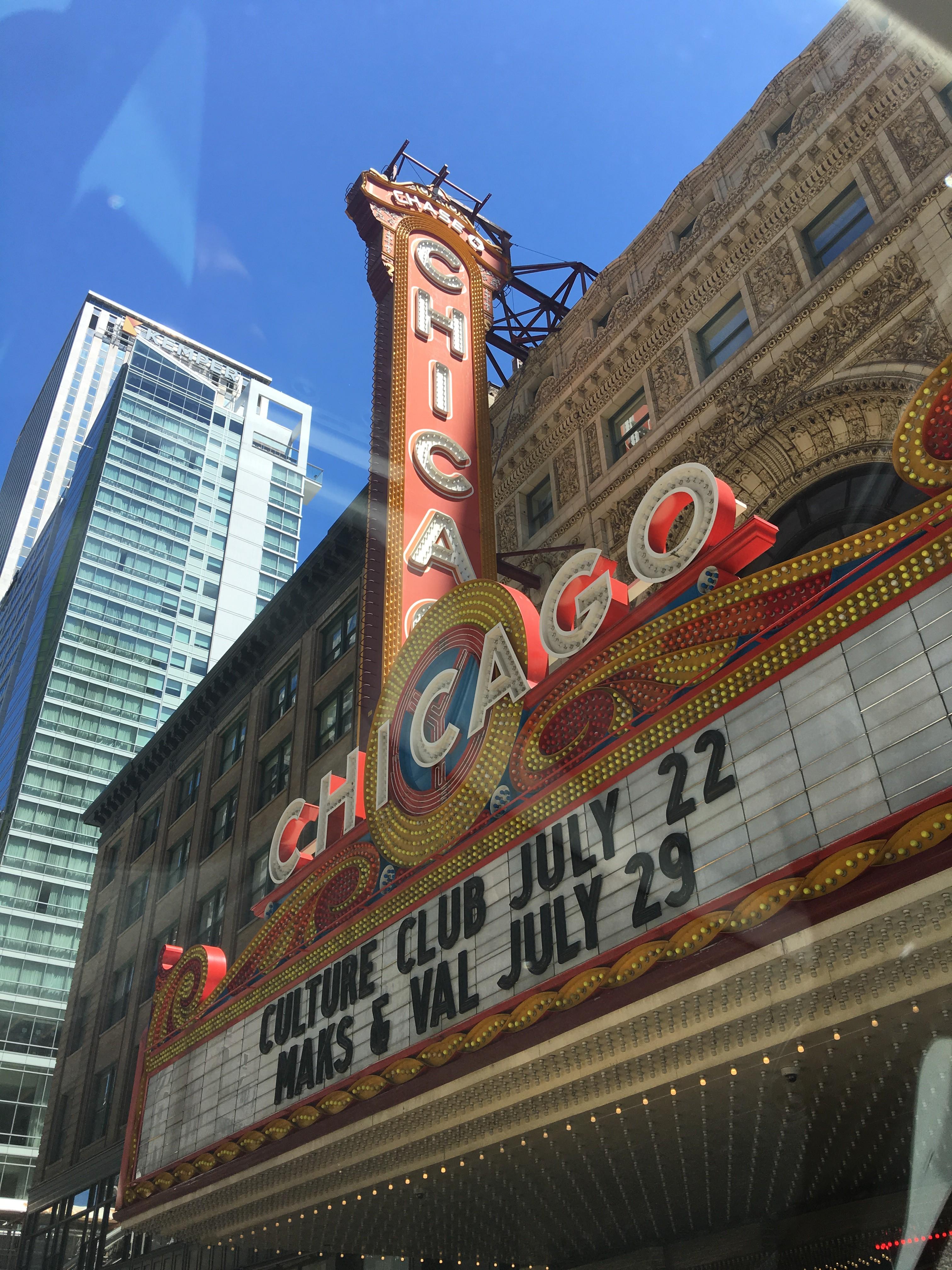 Flatout Bread #FlatoutLove on Chicagonista LIVE || Tampa Mama