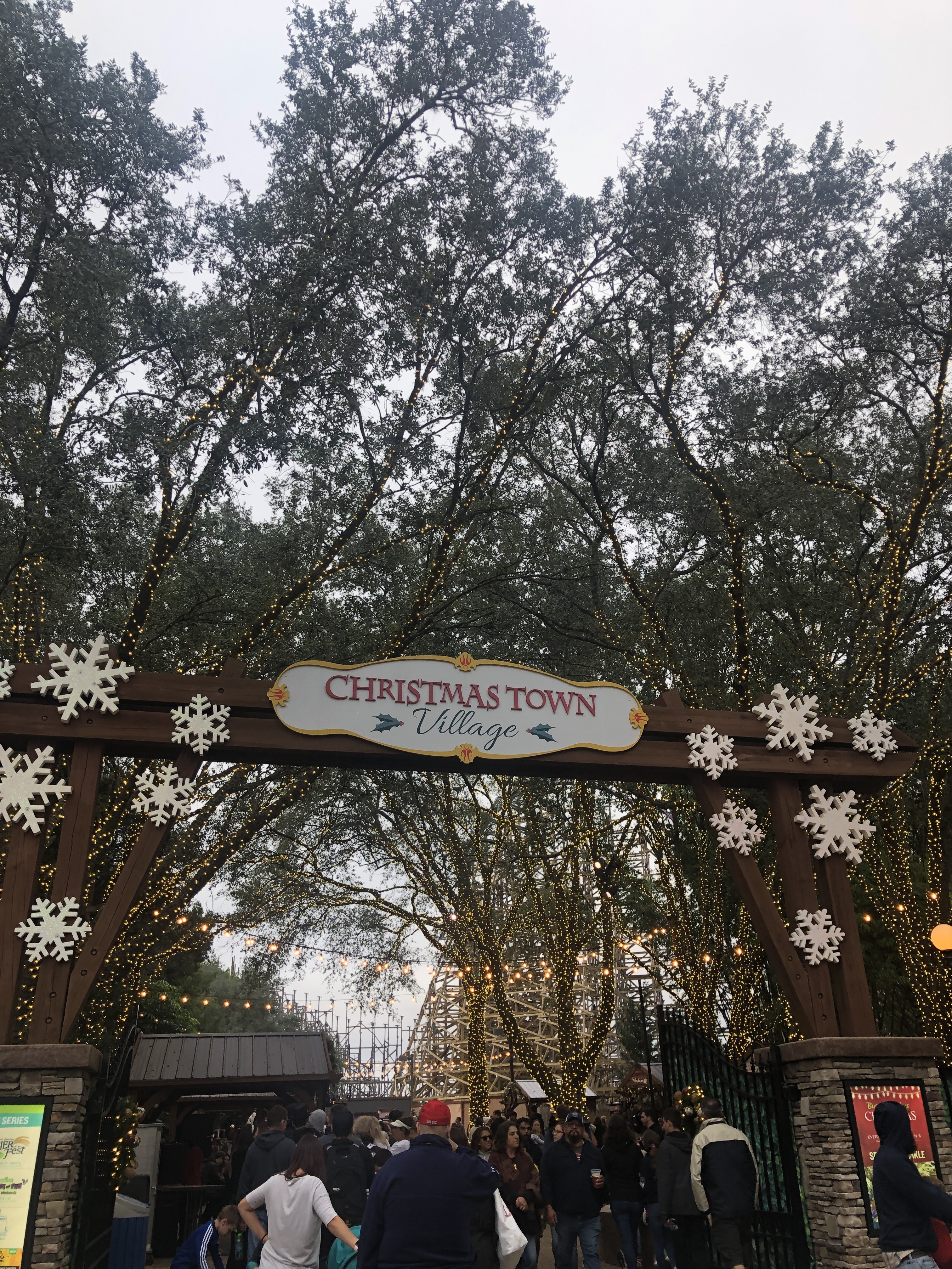 Busch Gardens Christmas Town Tampa Mom Blogger Tampa Mama